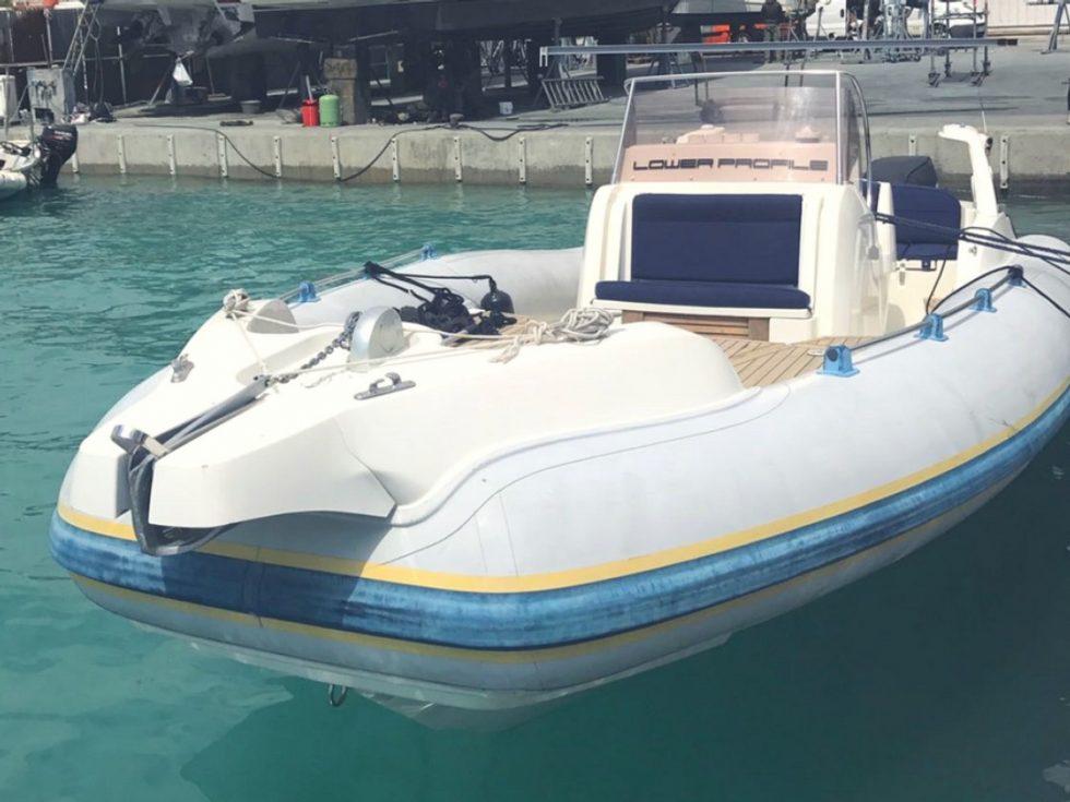 la mala speed boat charter